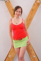 Бесплатные порно фото от сайта Defiled18 с юной девкой Angela