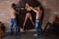 Горячие секс фотографии с юной блядью Vinna Reed