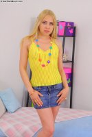 Бесплатные секс фотки от студии AssTeenMouth с молоденькой девкой Kaitlyn